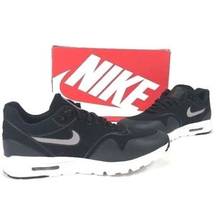 Nike Women's Air Max 1 Black Running Shoes